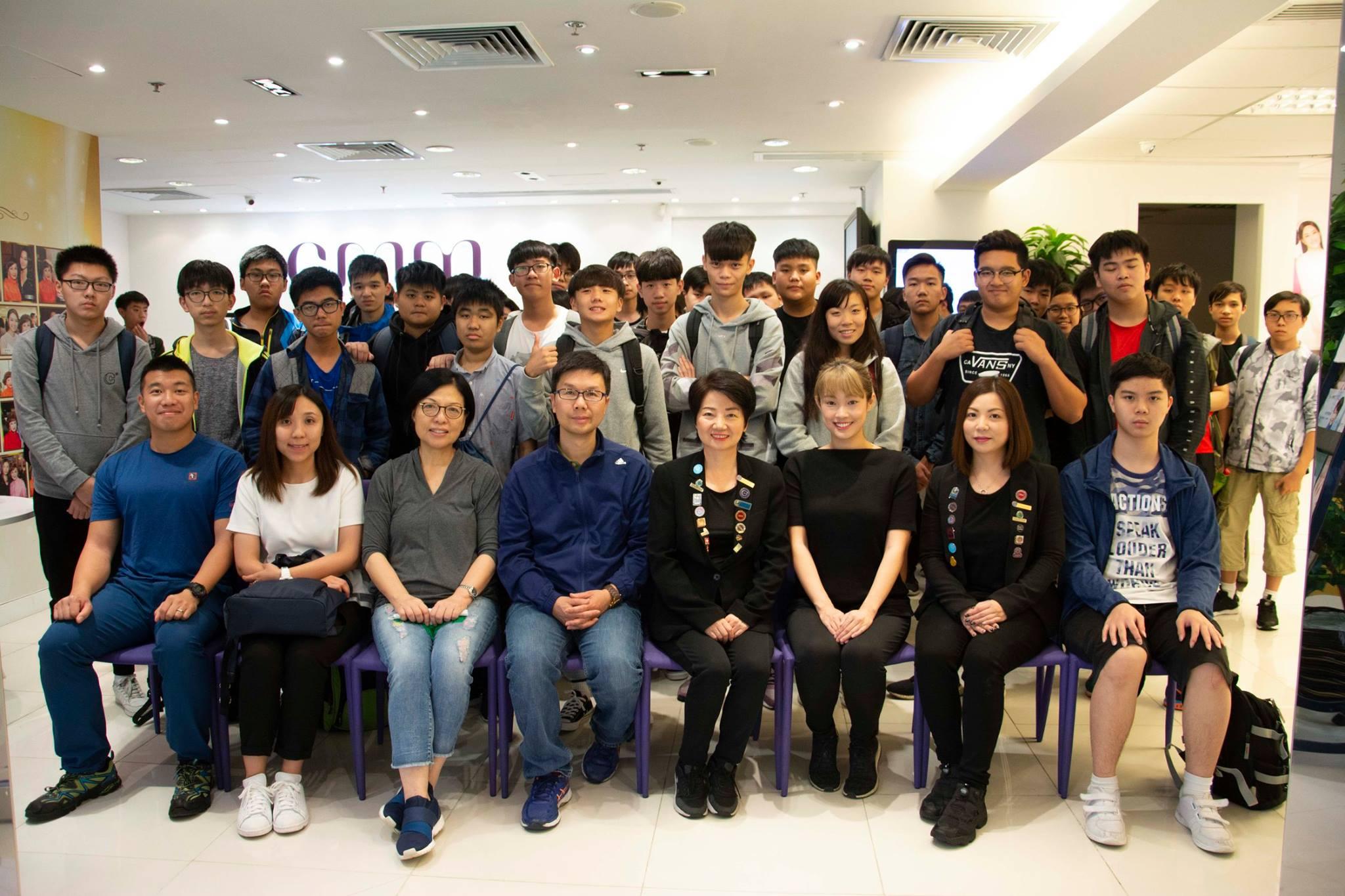 靈糧堂劉梅軒中學學校參觀